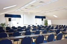 sala-conferinte-hotel-orizont-cozia-02