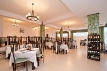 restaurant-orizont-hotel-orizont-cozia-01