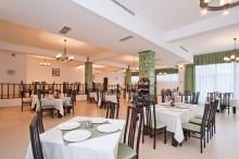 restaurant-orizont-hotel-orizont-cozia-02
