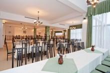 restaurant-orizont-hotel-orizont-cozia-03