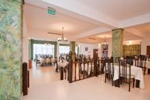 restaurant-orizont-hotel-orizont-cozia-04